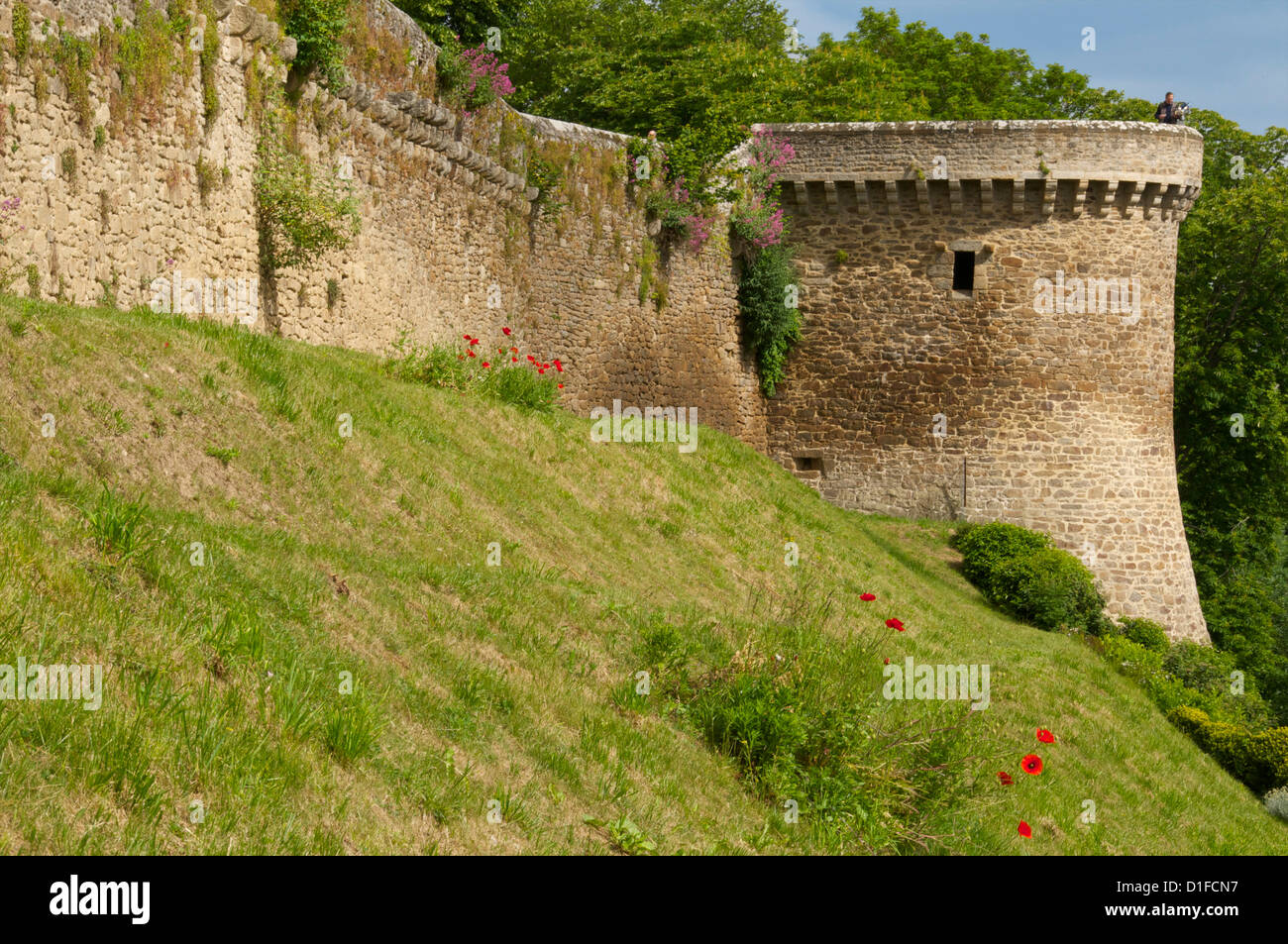 Town ramparts dating from the 13th and 15th centuries and tower, Old Town, Dinan, Brittany, Cotes d'Armor, France, Stock Photo