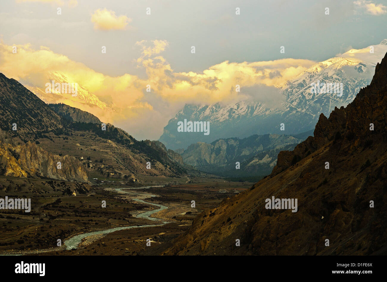Marsyangdi River Valley and Annapurna Himalayan Range, Annapurna Conservation Area, Gandaki, Western Region, Nepal - Stock Image