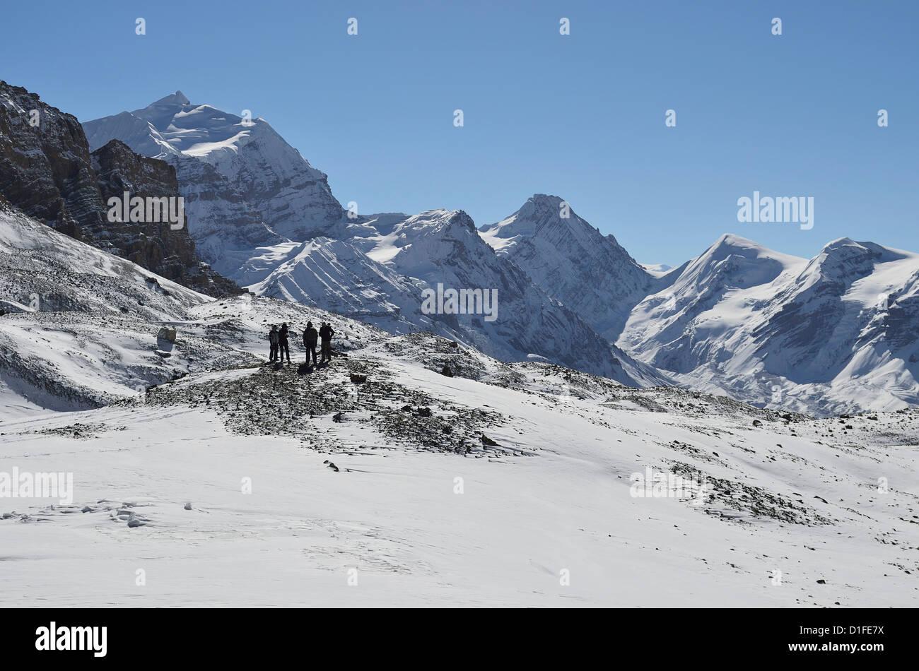 Thorong La (Thorung La), pass at 5416m, Annapurna Conservation Area, Gandaki, Western Region (Pashchimanchal), Nepal, - Stock Image
