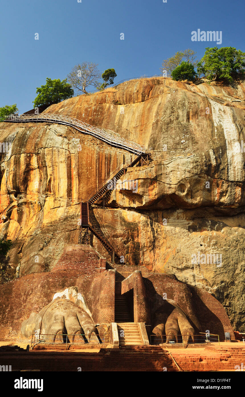 Stairs leading to top of Sigiriya (Lion Rock), UNESCO World Heritage Site, Sri Lanka, Asia - Stock Image