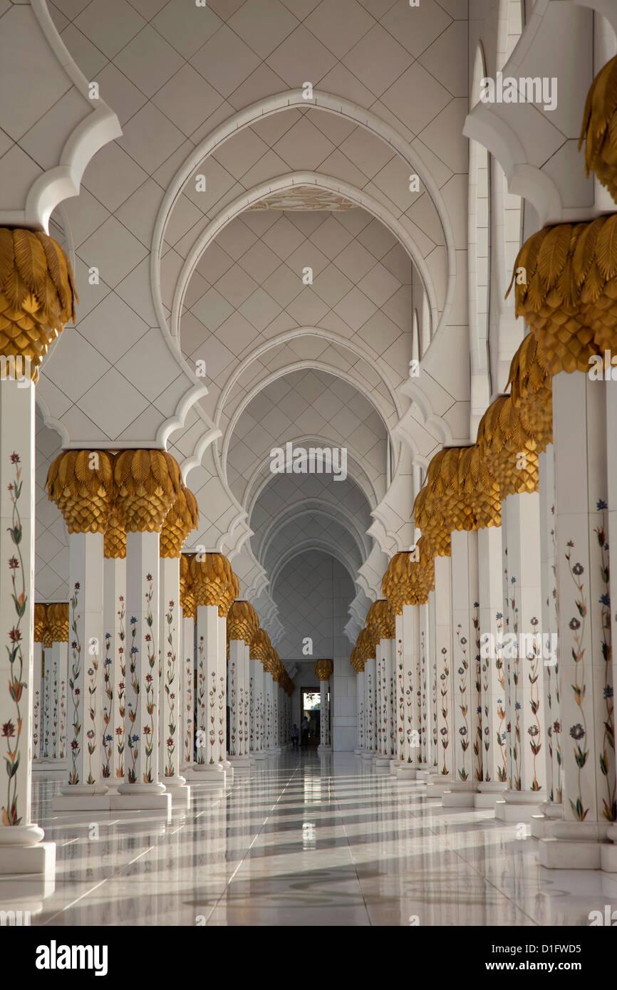 Sheikh Zayed Mosque, Abu Dhabi, United Arab Emirates, Middle East - Stock Image