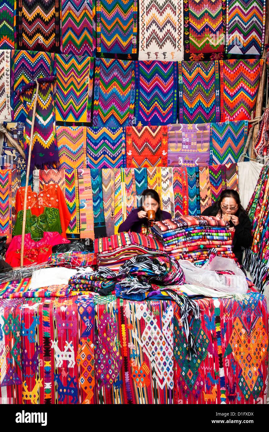 Outdoor market in Chichicastenango, Guatemala, Central America - Stock Image