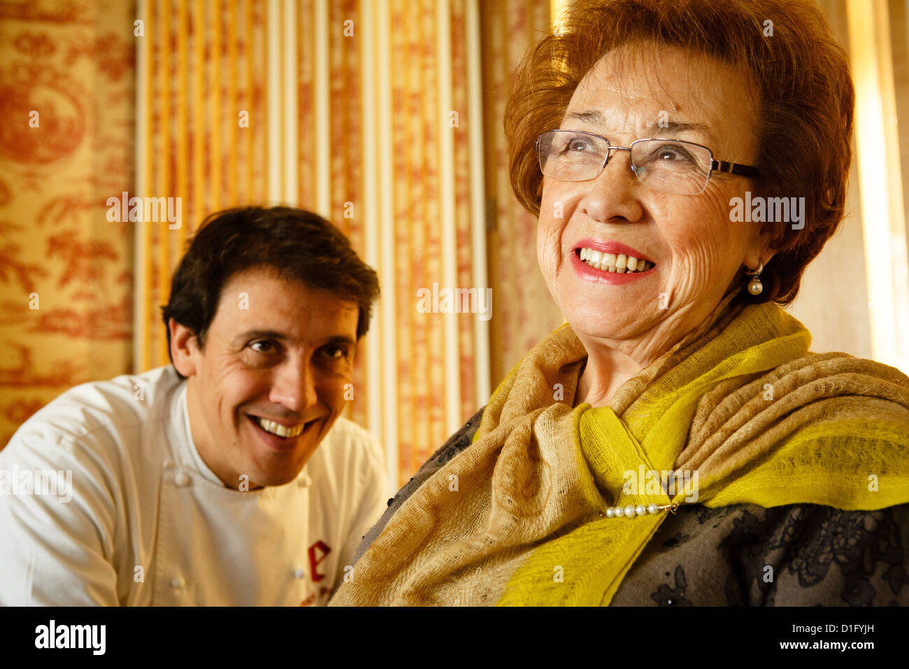 22/11/12 Chefs Marisa Sanchez and her son Francis Paniego at Hotel Echaurren, Ezcaray, La Rioja, Spain - Stock Image