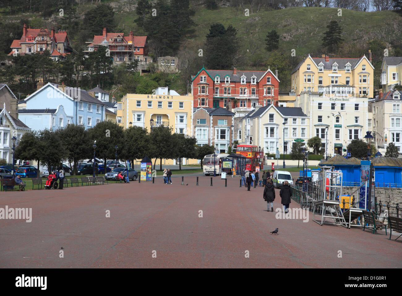 Seaside Promenade, Llandudno, Conwy County, North Wales, Wales, United Kingdom, Europe - Stock Image