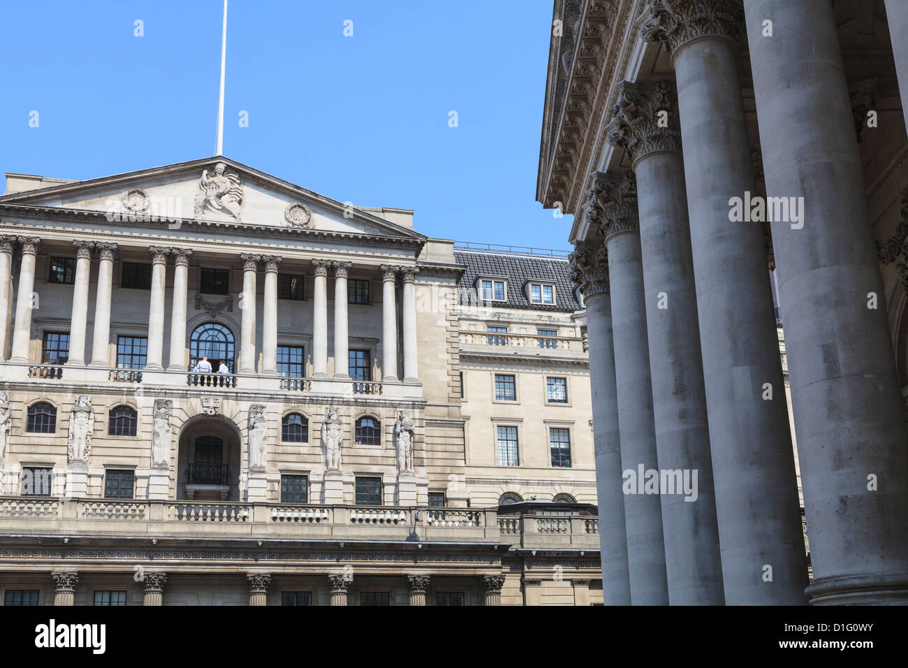 The Bank of England and Royal Exchange, Threadneedle Street, City of London, London, England, United Kingdom, Europe - Stock Image