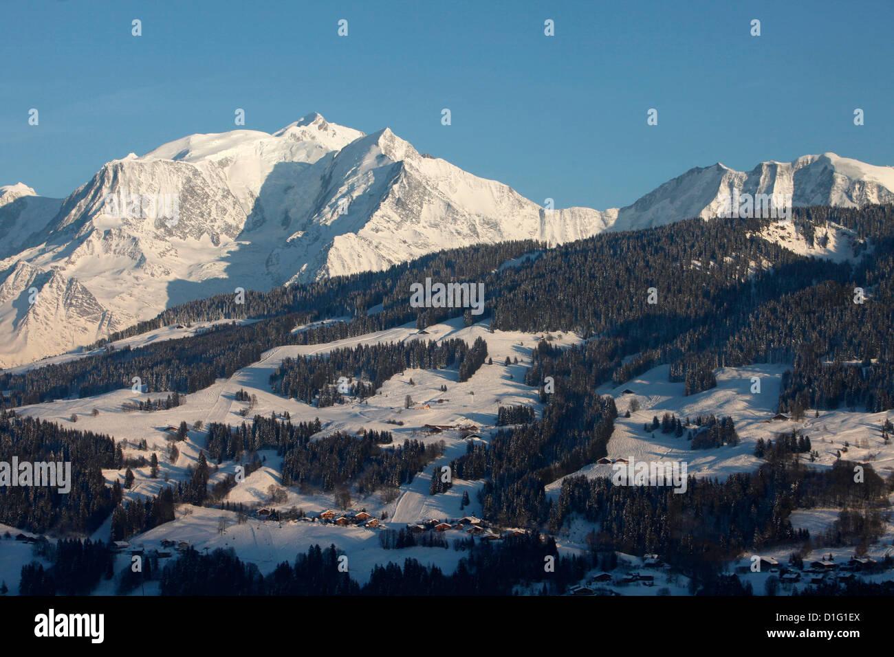 Megeve ski slopes, Mont-Blanc mountain range, Megeve, Haute-Savoie, French Alps, France, Europe - Stock Image
