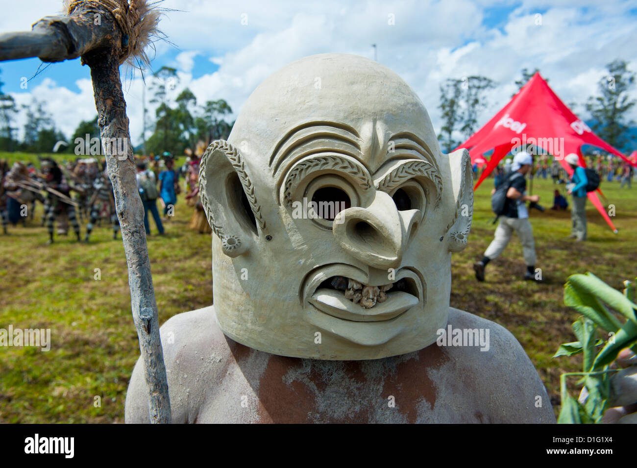 Mudman tribesman celebrating the traditional Sing Sing in the Highlands, Papua New Guinea, Pacific - Stock Image