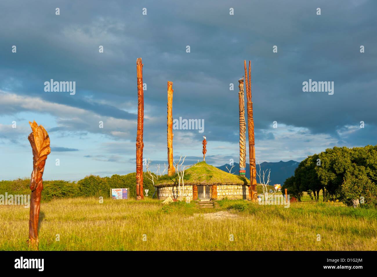Traditional hut with poles on the west coast of Grand Terre, New Caledonia, Melanesia, South Pacific, Pacific - Stock Image