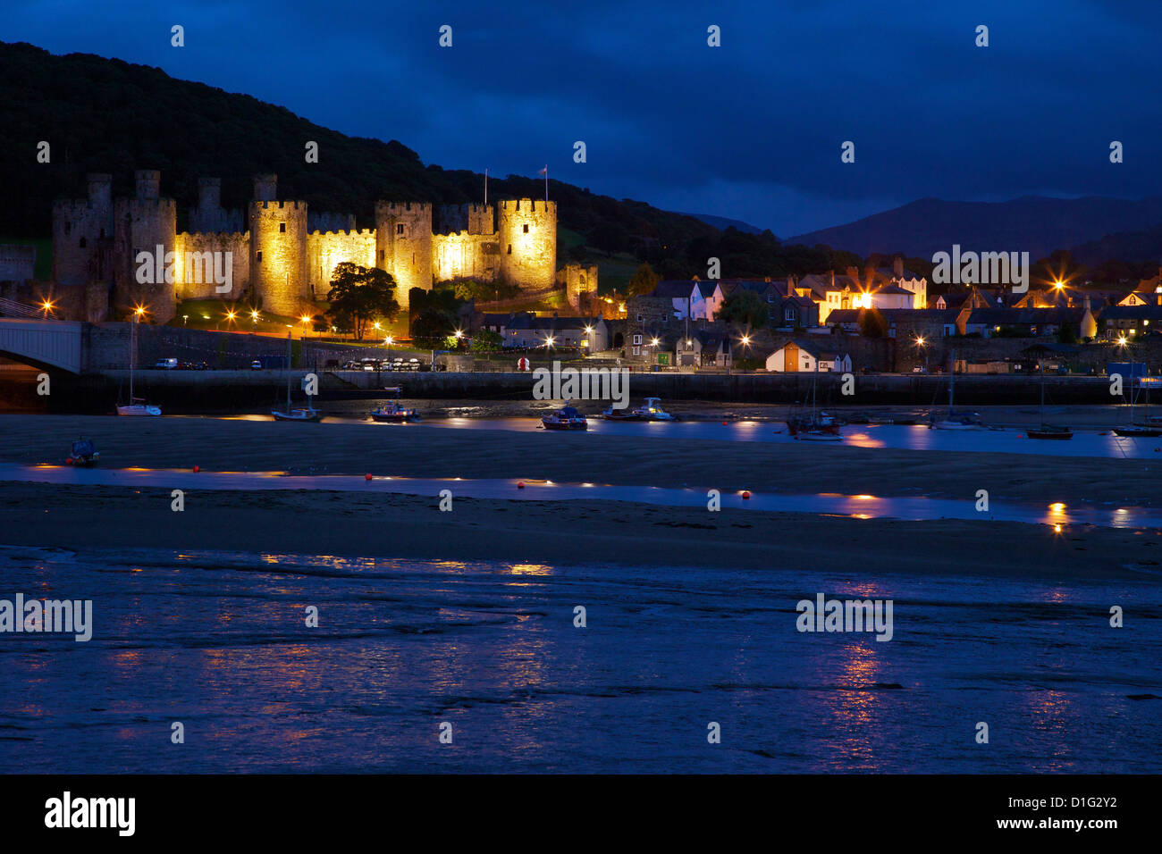 River Conwy estuary and medieval castle, UNESCO World Heritage Site, Gwynedd, North Wales, United Kingdom, Europe - Stock Image