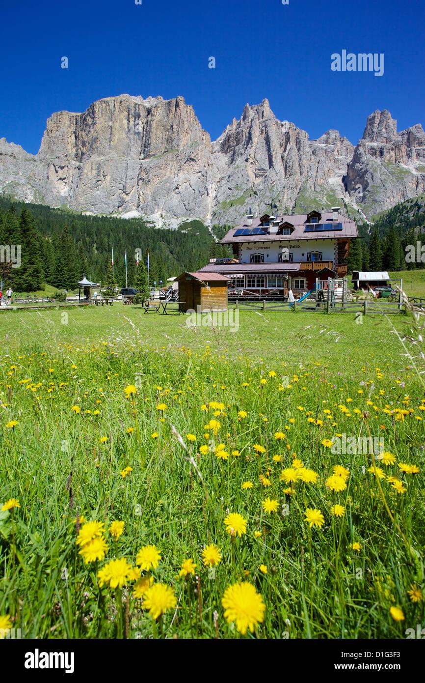 Restaurant, Sella Pass, Trento and Bolzano Provinces, Italian Dolomites, Italy, Europe - Stock Image