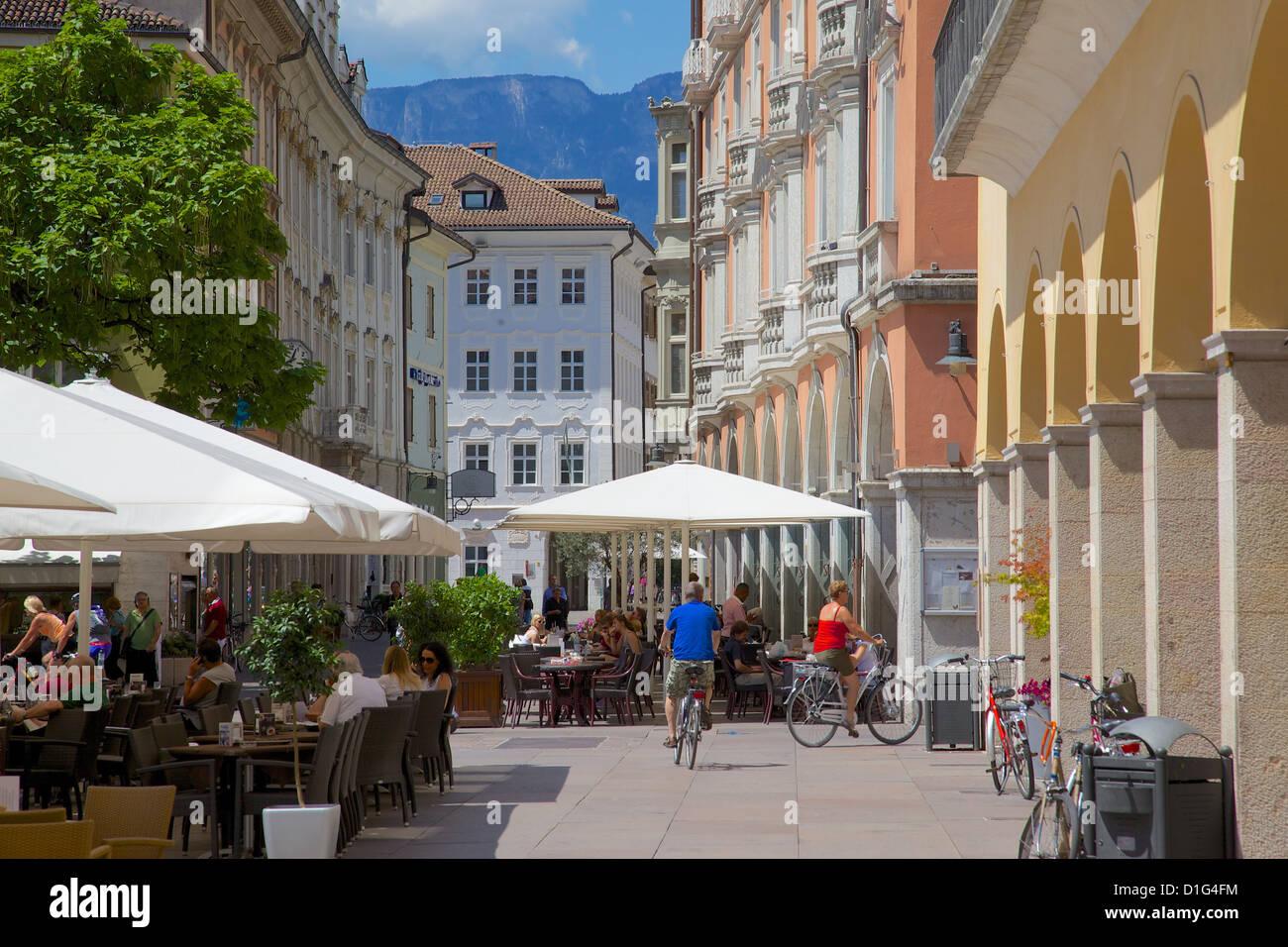 Cafes and shops, Via Mostra, Bolzano, Bolzano Province, Trentino-Alto Adige, Italy, Europe - Stock Image