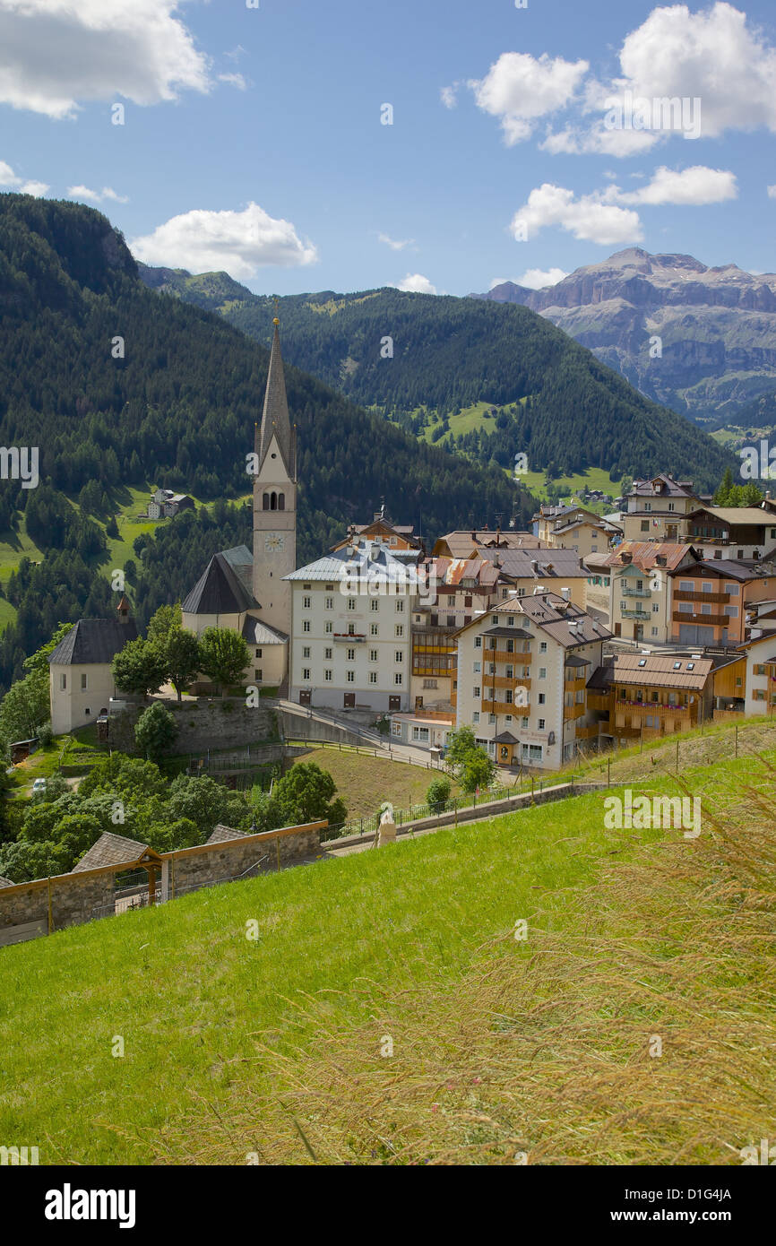 View of village and church, La Plie Pieve, Belluno Province, Dolomites, Italy, Europe - Stock Image