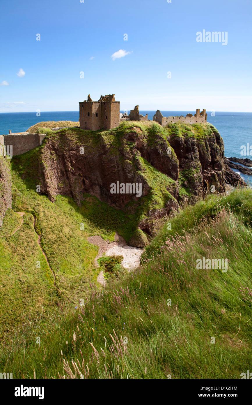 Dunnottar Castle near Stonehaven, Aberdeenshire, Scotland, United Kingdom, Europe - Stock Image