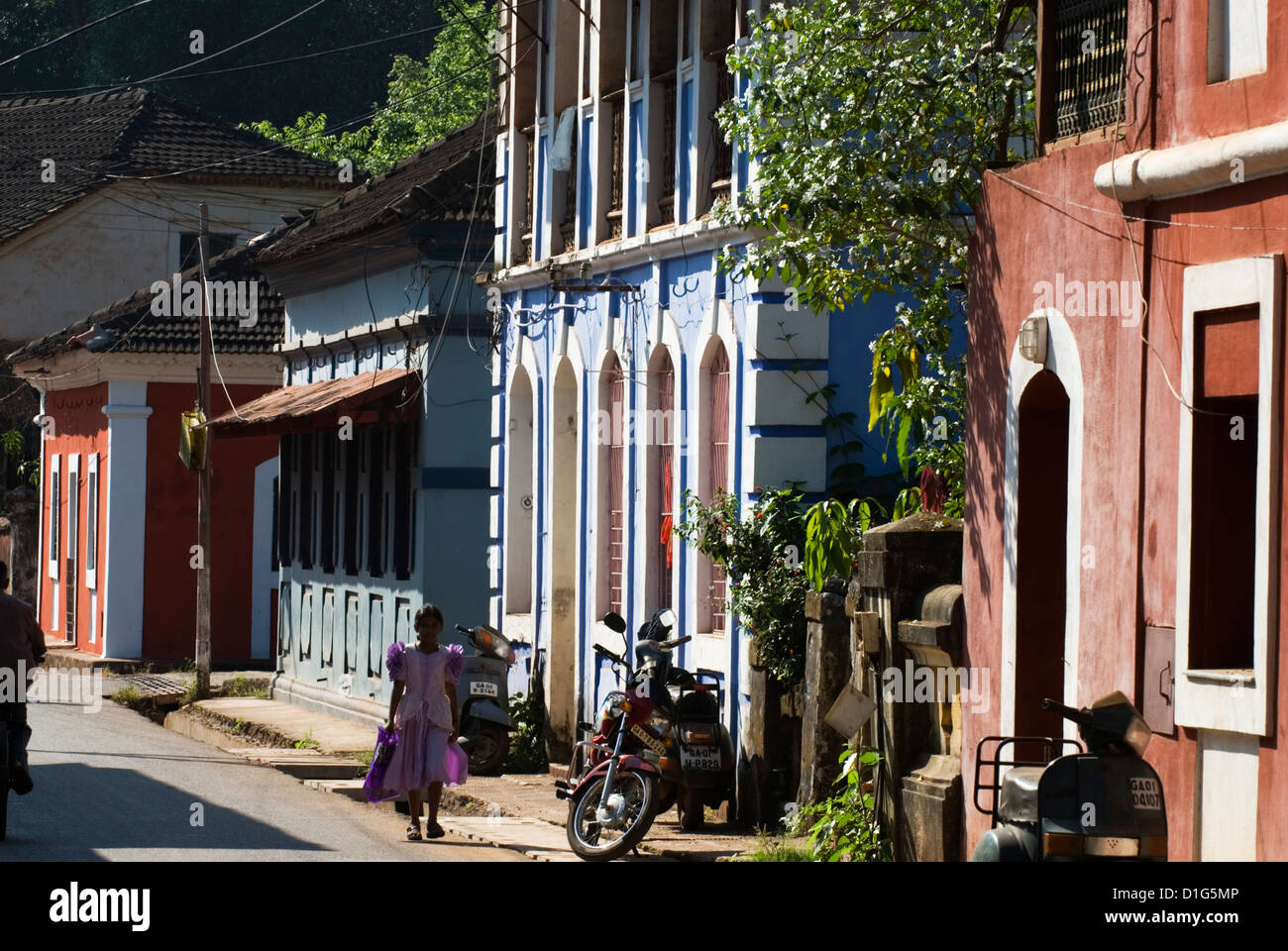 Street in the old quarter, Fontainhas, Panjim, Goa, India, Asia - Stock Image