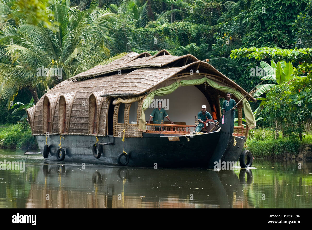 House boat on the Backwaters, near Alappuzha (Alleppey), Kerala, India, Asia - Stock Image