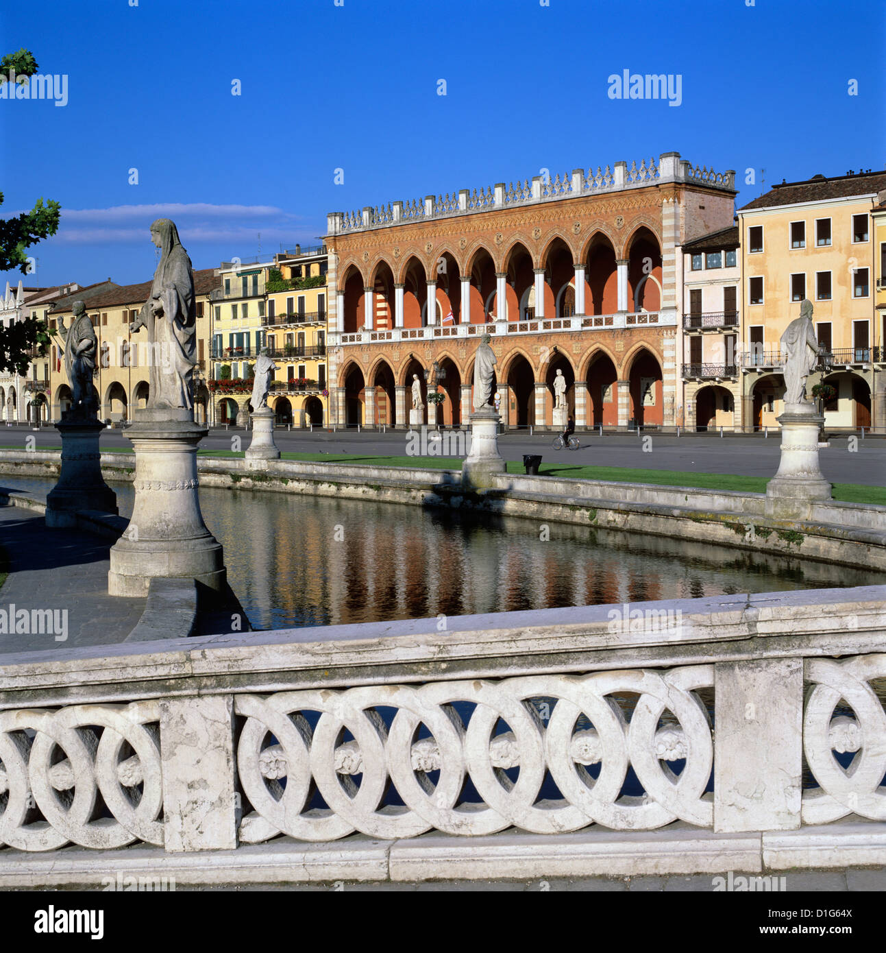 Prato della Valle, Padua, Veneto, Italy, Europe Stock Photo