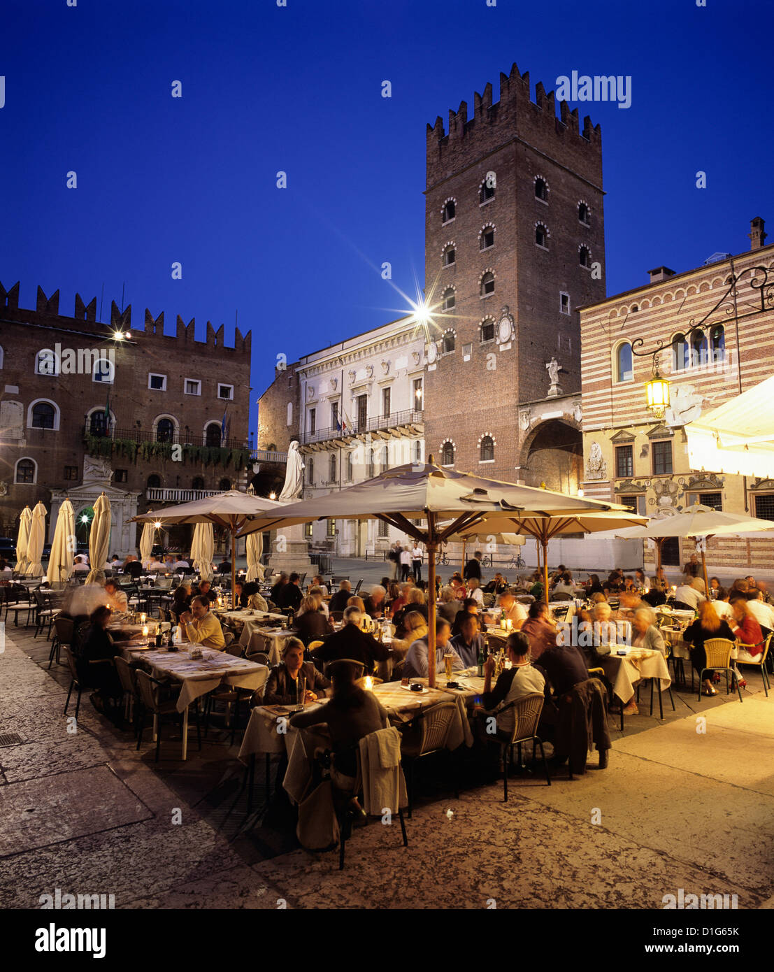 Evening dining in the old town, Verona, UNESCO World Heritage Site, Veneto, Italy, Europe Stock Photo