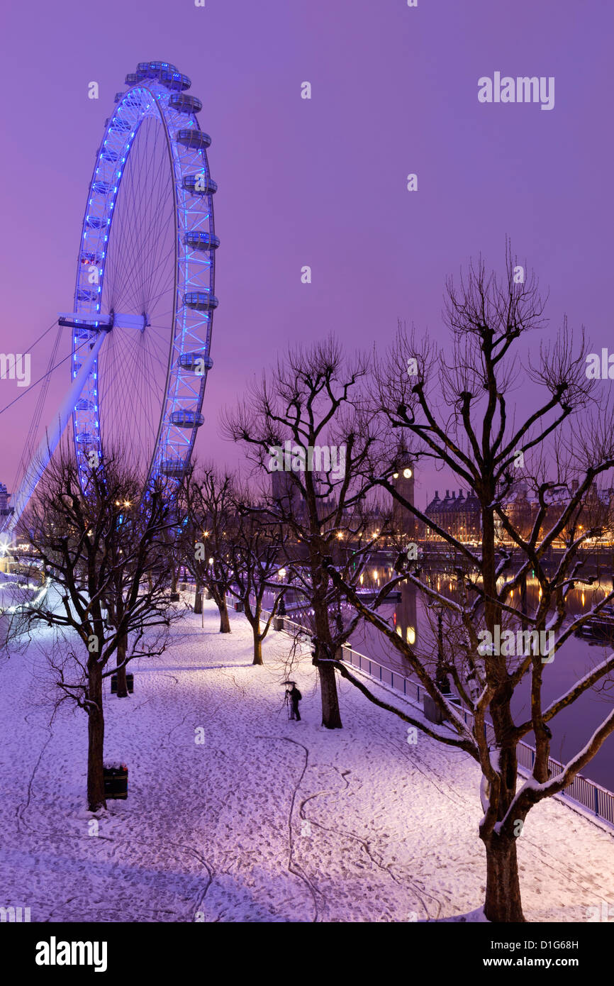 Houses of Parliament and London Eye in winter, London, England, United Kingdom, Europe - Stock Image
