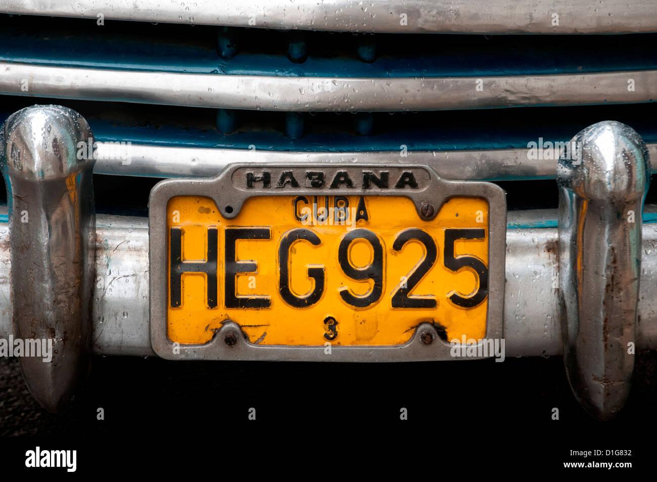 Yellow plate in Havana - Stock Image