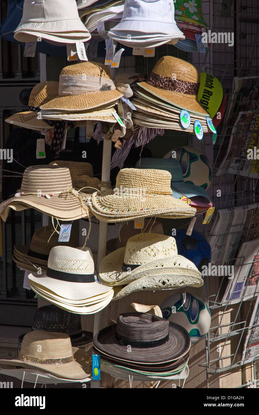 b203fa5ce6b90 Womens Sun Hats Stock Photos   Womens Sun Hats Stock Images - Alamy