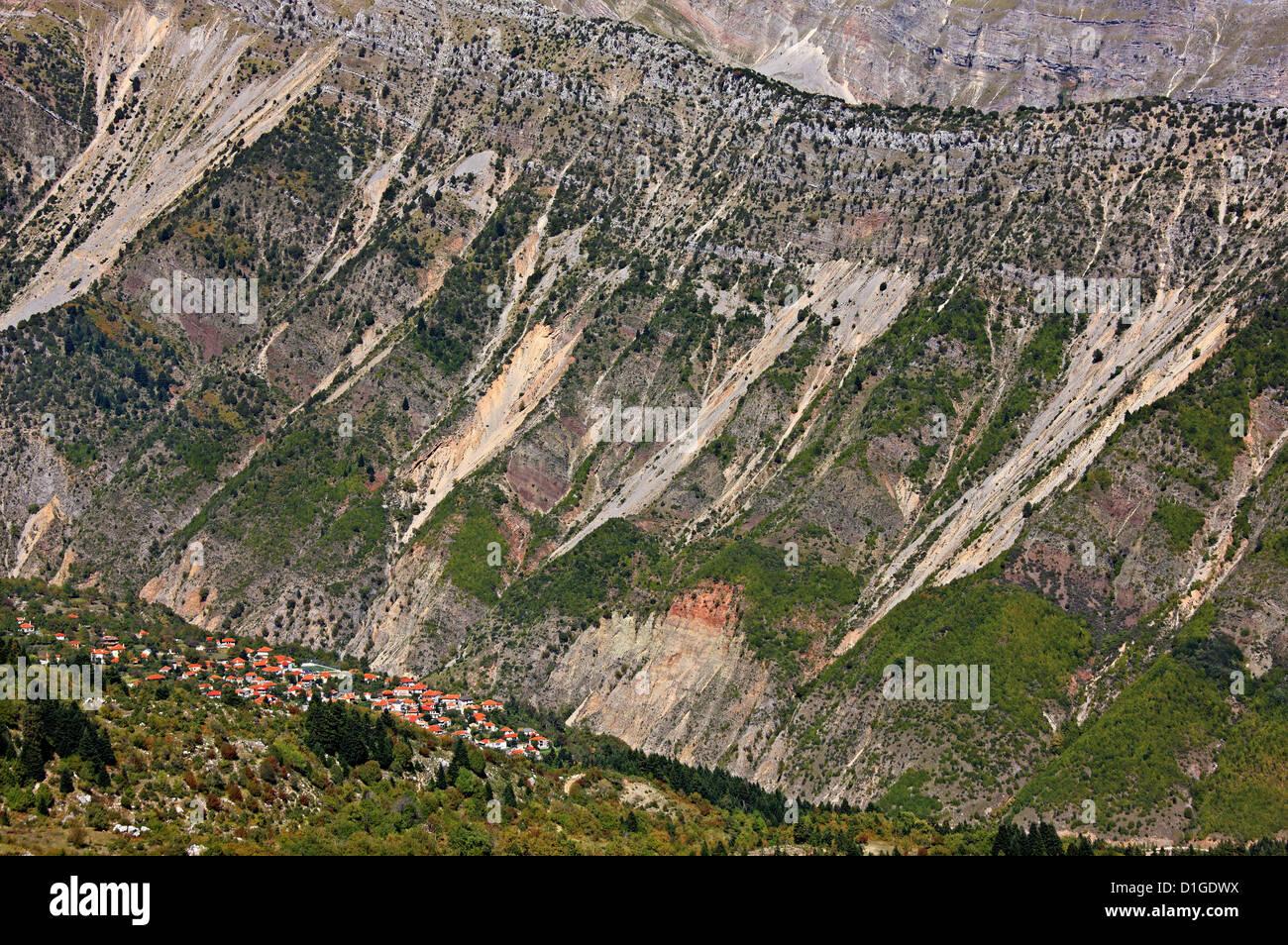 Panoramic view of Theodoriana village in the 'heart of Tzoumerka mountains, Arta, Epirus, Greece. - Stock Image