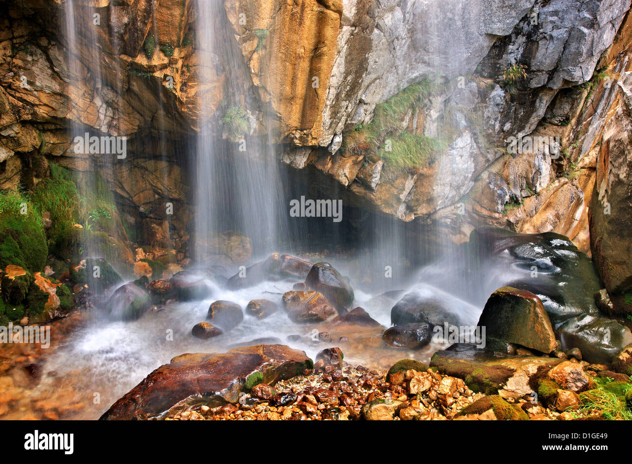 'Detail' from one of the double waterfalls of 'Souda', very close to Theodoriana , Tzoumerka mountains, - Stock Image