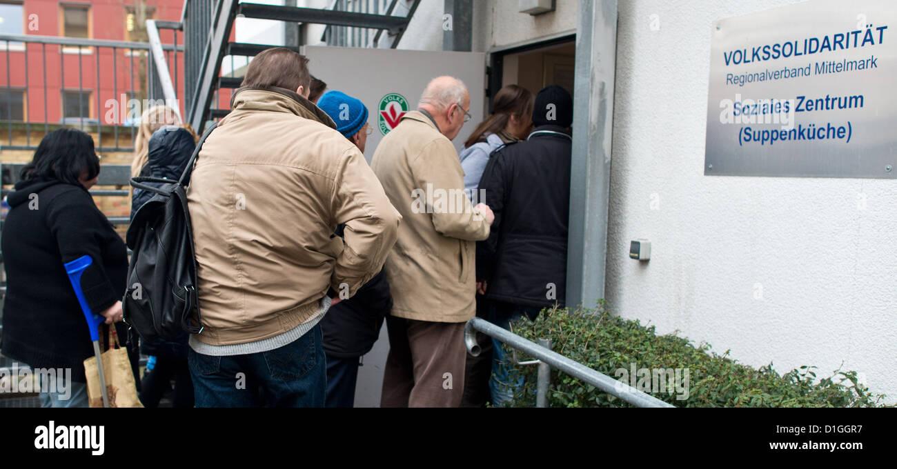 Needy People Stock Photos & Needy People Stock Images - Alamy