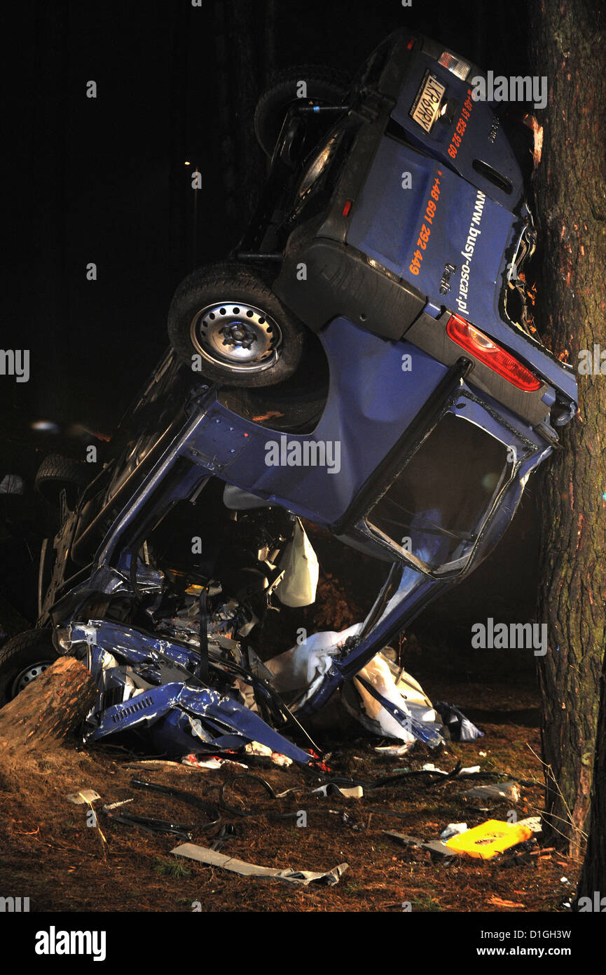 Car Accident Wreckage People Stock Photos & Car Accident