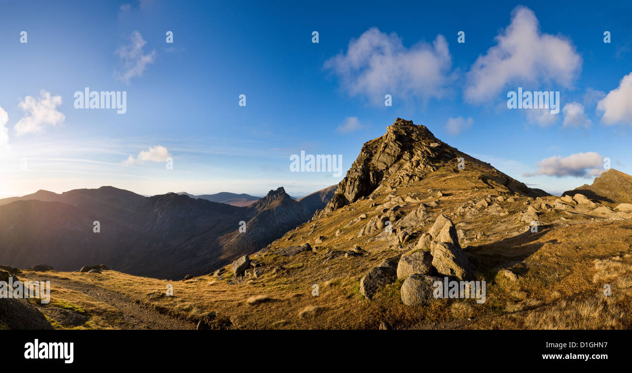 A sunny afternoon in Autumn, near the summit of Goat Fell, looking north towards Cir Mhor, Isle of Arran, Scotland - Stock Image