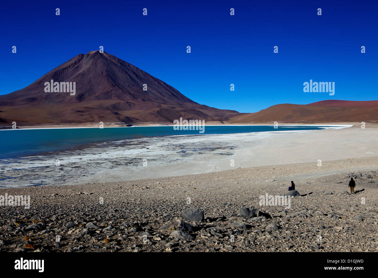 The Laguna Verde with Volcan Licancabur, Eduardo Avaroa Andean Fauna National Reserve, Southwest Highlands, Bolivia - Stock Image