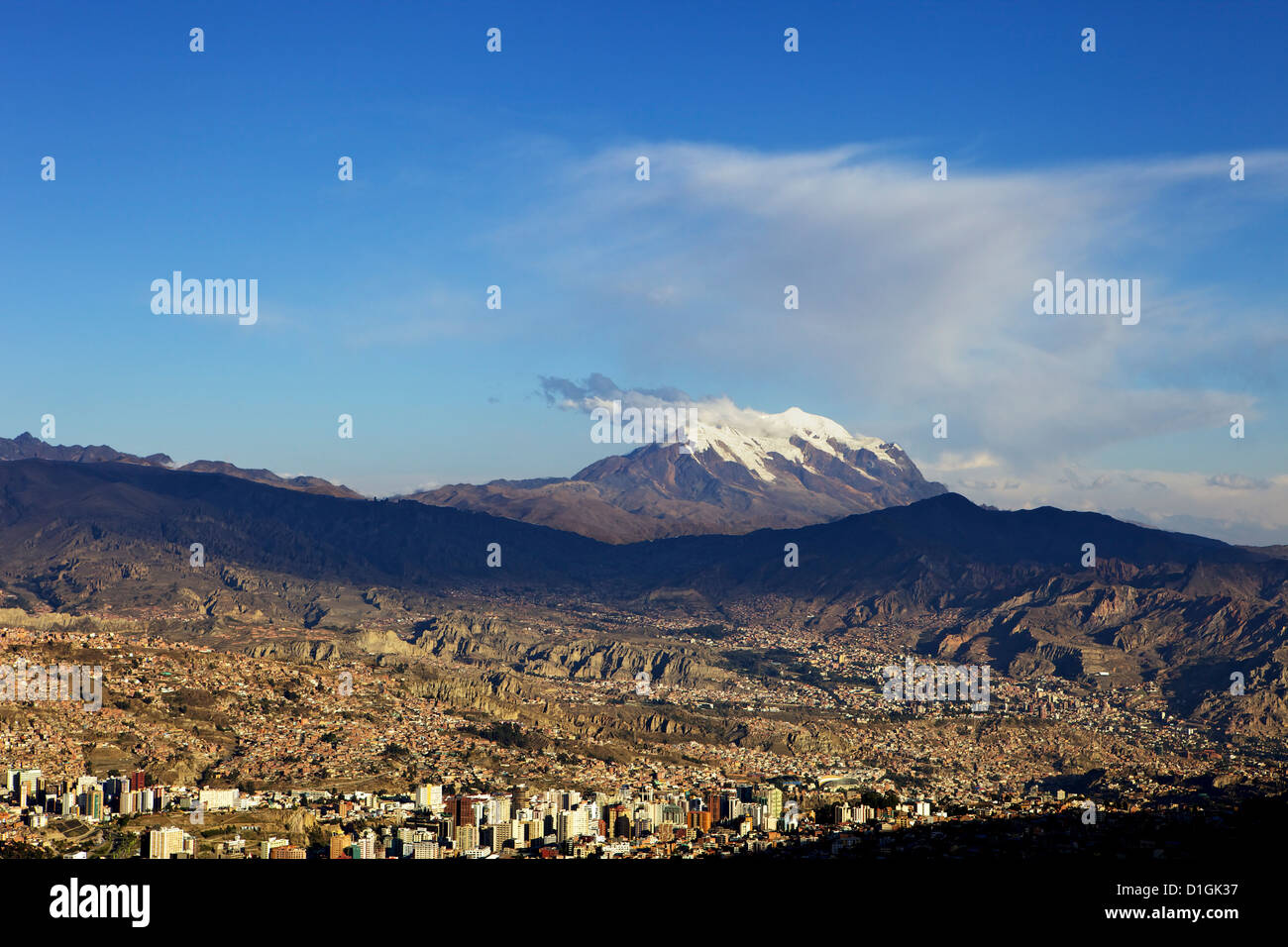 View over La Paz with Mount Illimani in the background, Bolivia, South America - Stock Image