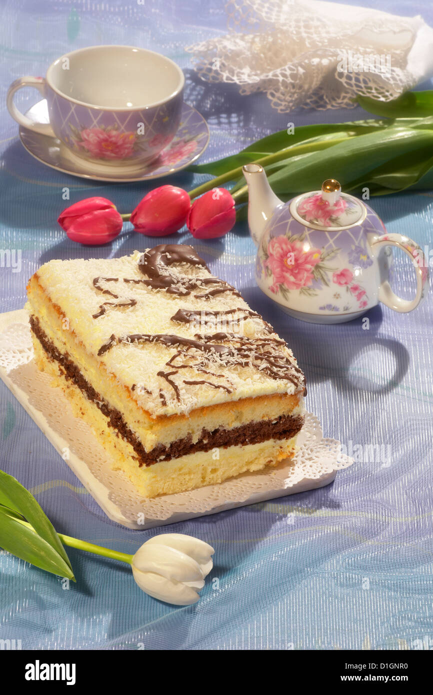 Cake with pudding and chocolate - Stock Image