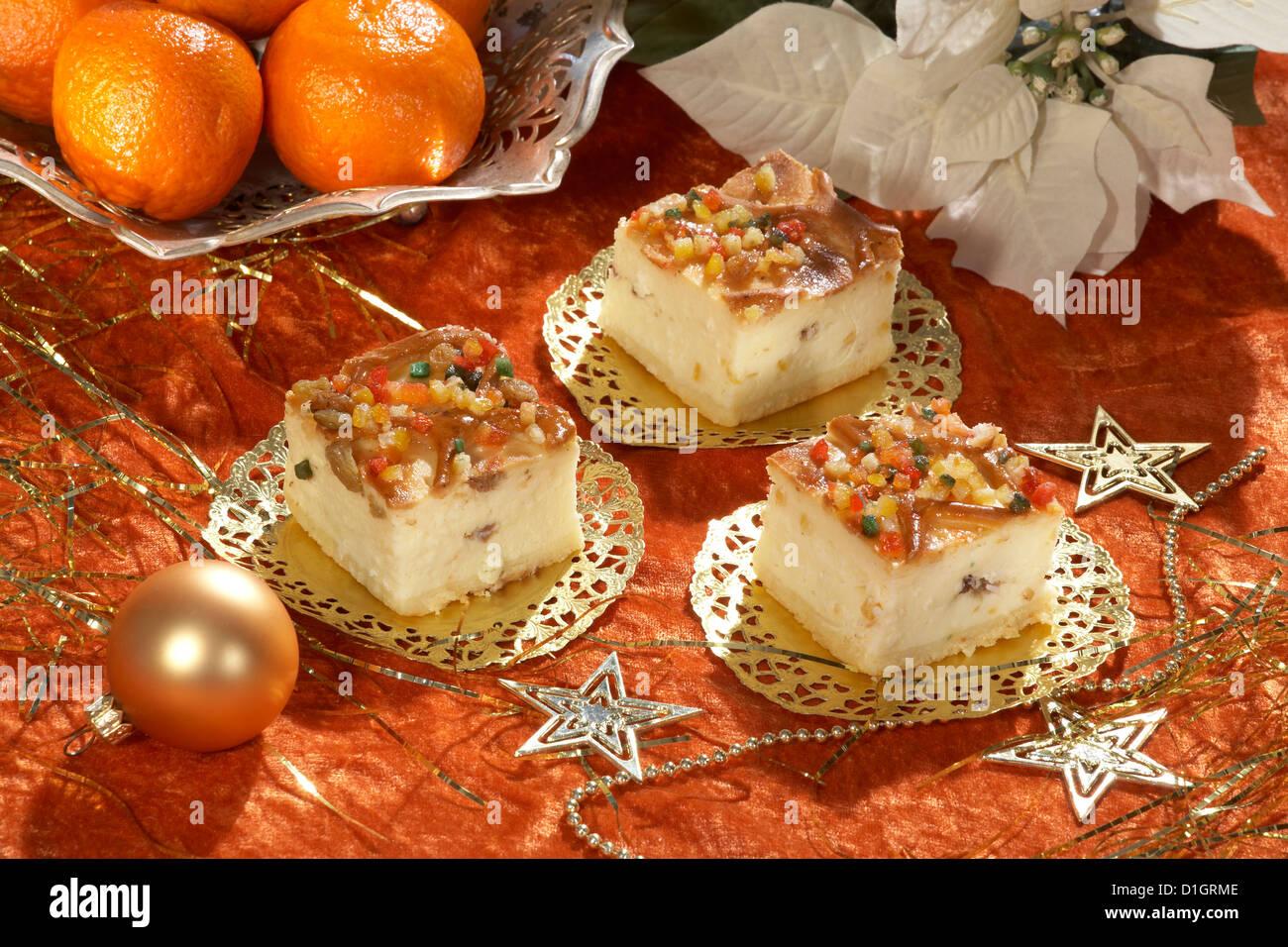 Christmas Cheesecake with raisins - Stock Image