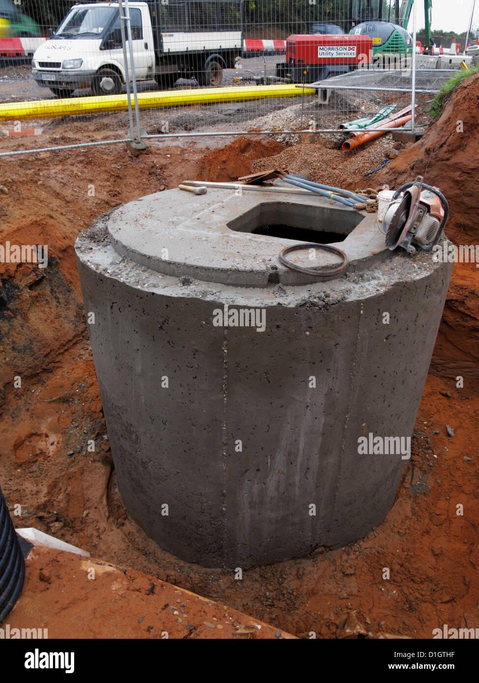 Precast Concrete Pits : Road construction site uk manhole inspection chamber catch