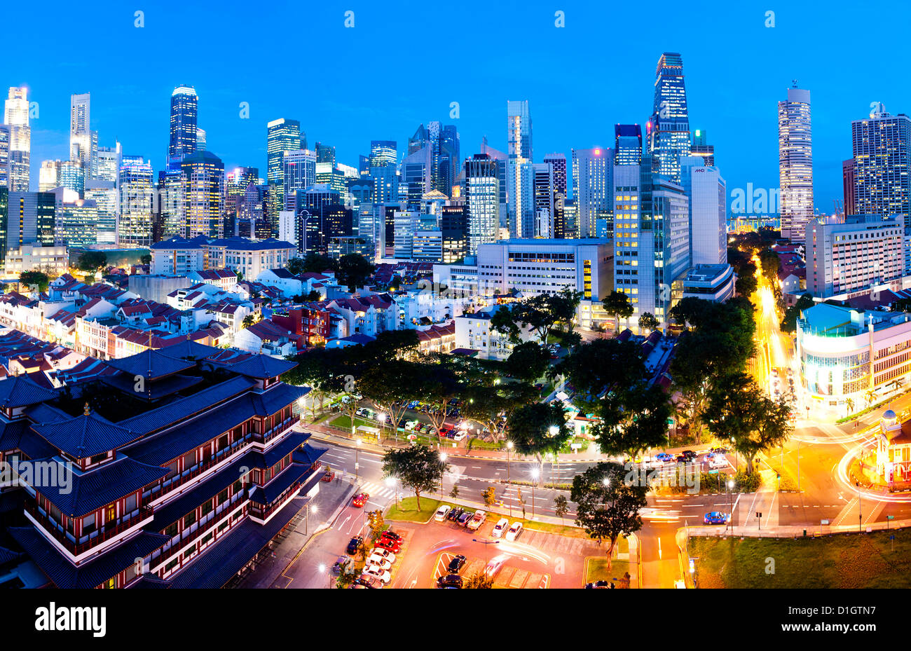 The Buddha Tooth Relic Temple and Central Business District (CBD), Chinatown, Singapore, Southeast Asia, Asia - Stock Image