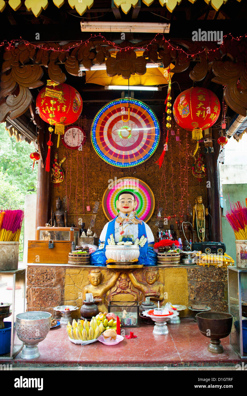 Neon Buddhist display in a Buddhist temple in Phnom Penh, Cambodia, Indochina, Southeast Asia, Asia - Stock Image