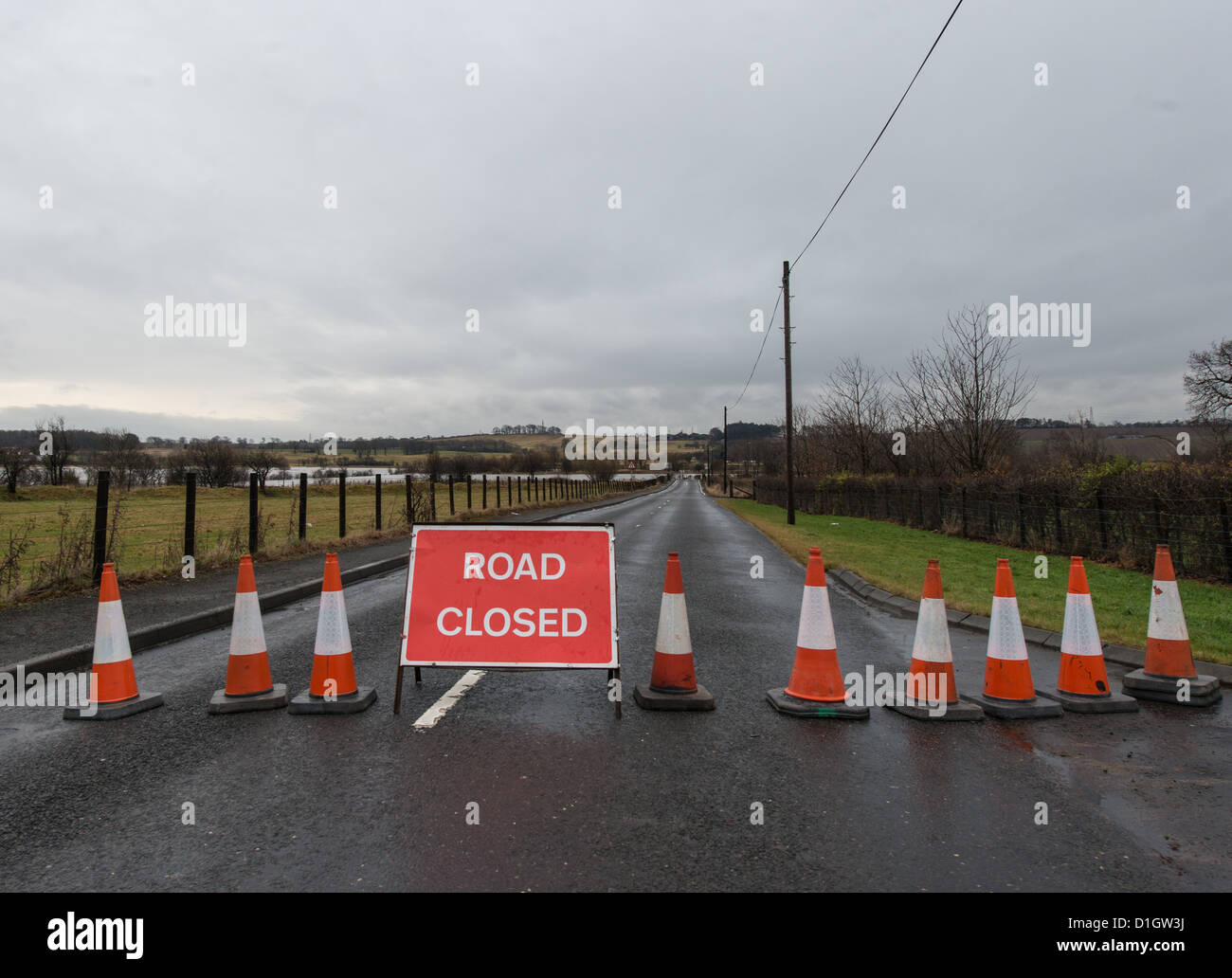 Road Closed sign and Traffic Cones - Stock Image