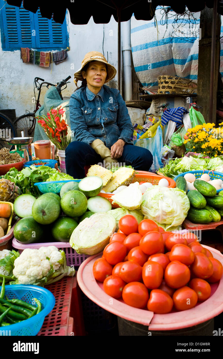 Vegetable seller portrait, Hoi An market, Vietnam, Indochina, Southeast Asia, Asia - Stock Image