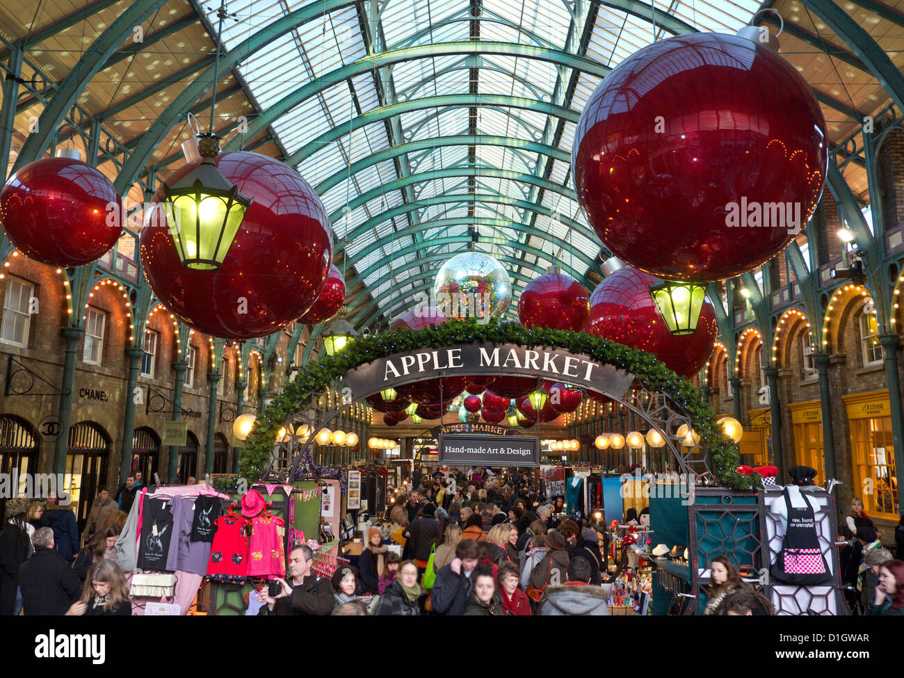 Apple Id Reset Email >> The Apple Market Hall at Covent Garden with Christmas decorations Stock Photo: 52616895 - Alamy