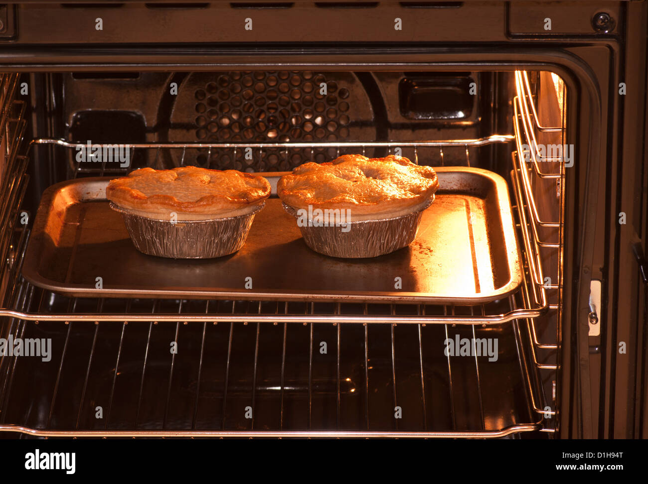 How to bake pies in the oven: tips for beginners 18