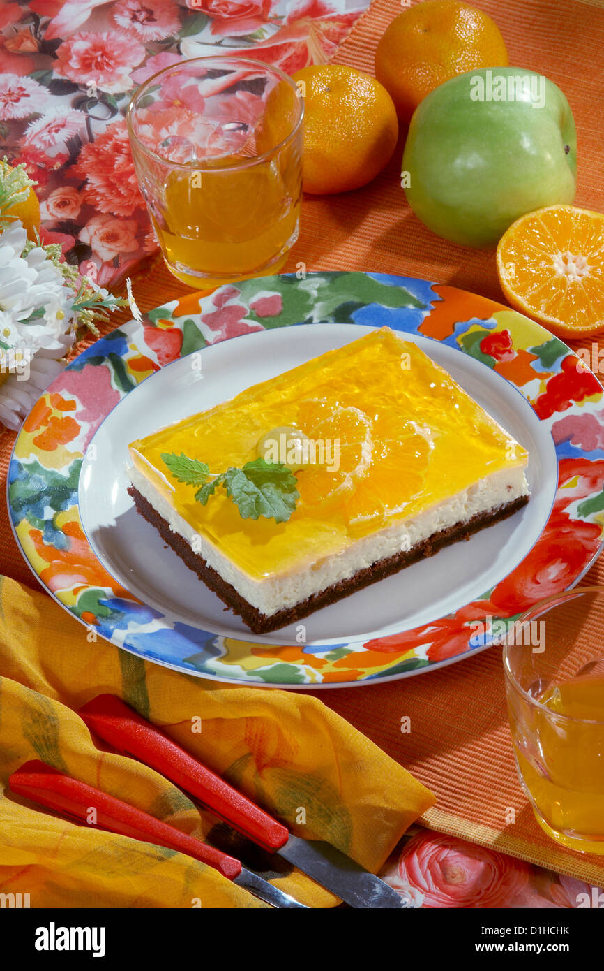 Cheesecake with fruit jelly - Stock Image