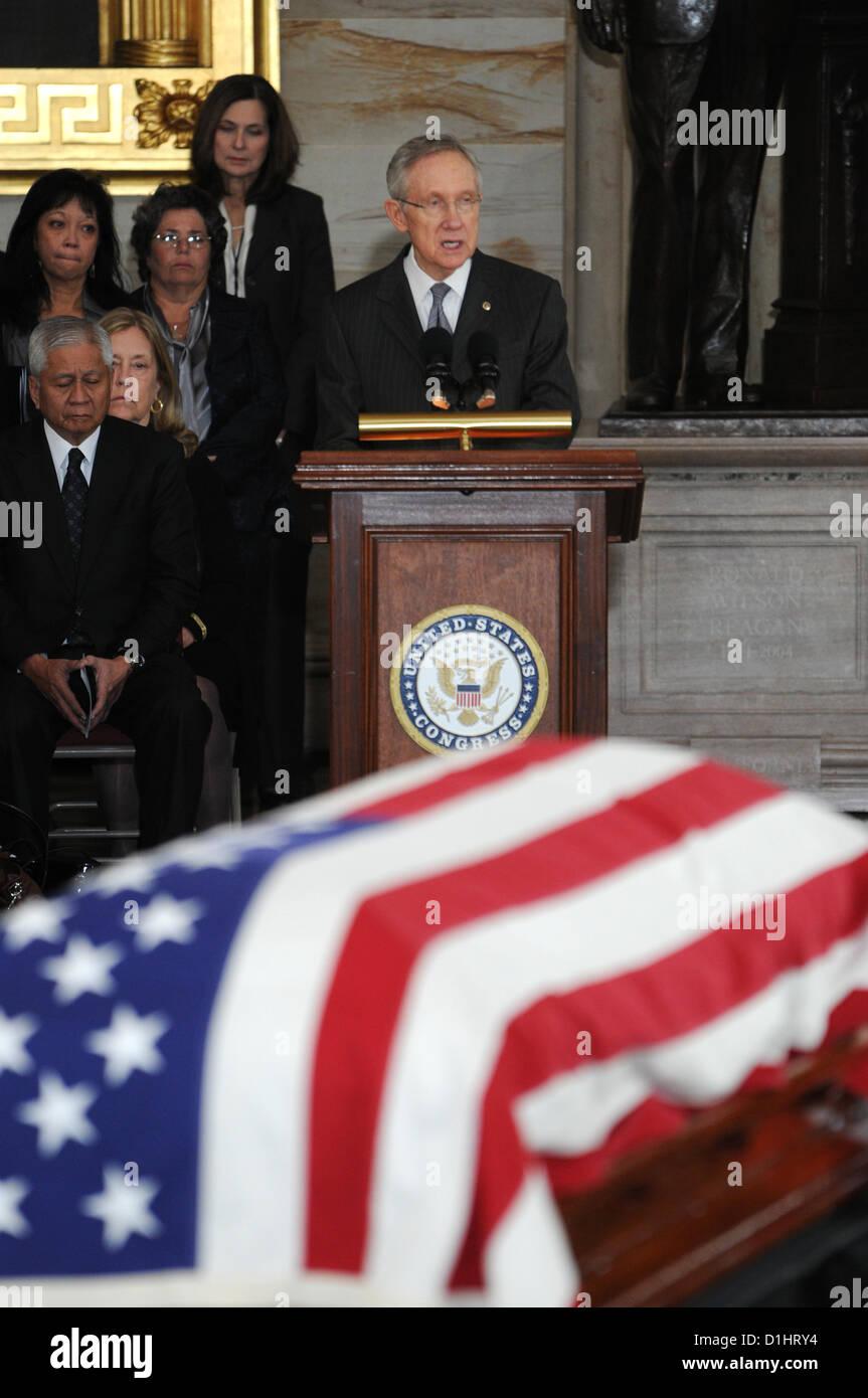 Senate Majority Leader Harry Reid pays his respect to Senator Daniel Inouye lying in state in the Rotunda of the - Stock Image