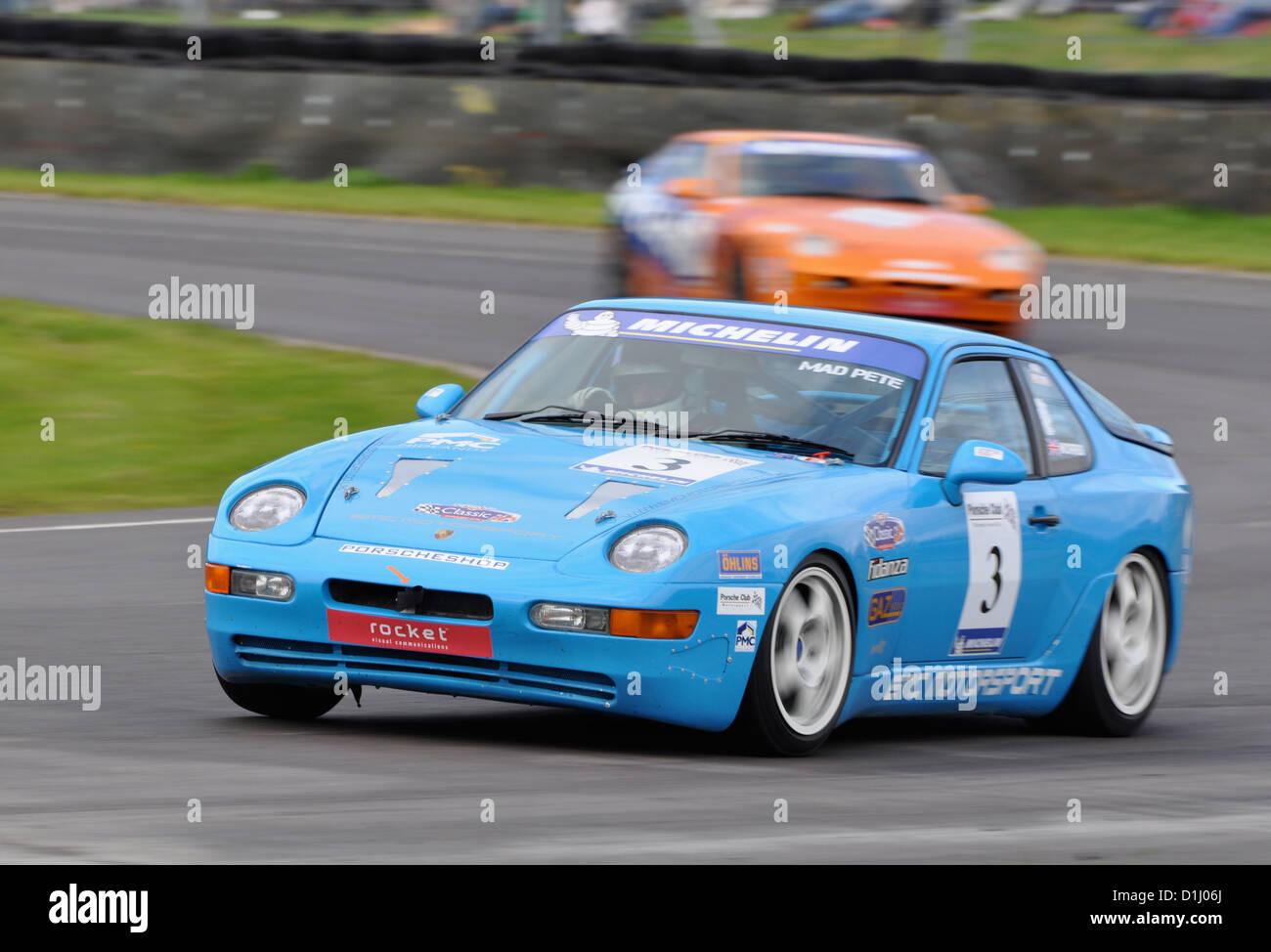 Porsche 928 at Castle Combe Circuit - Stock Image