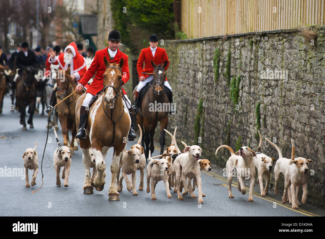 Hay-on-Wye, Wales, UK. 26th Dec 2012. The Golden Valley Hunt gather in Hay on Wye for their annual Boxing Day hunt. - Stock Image
