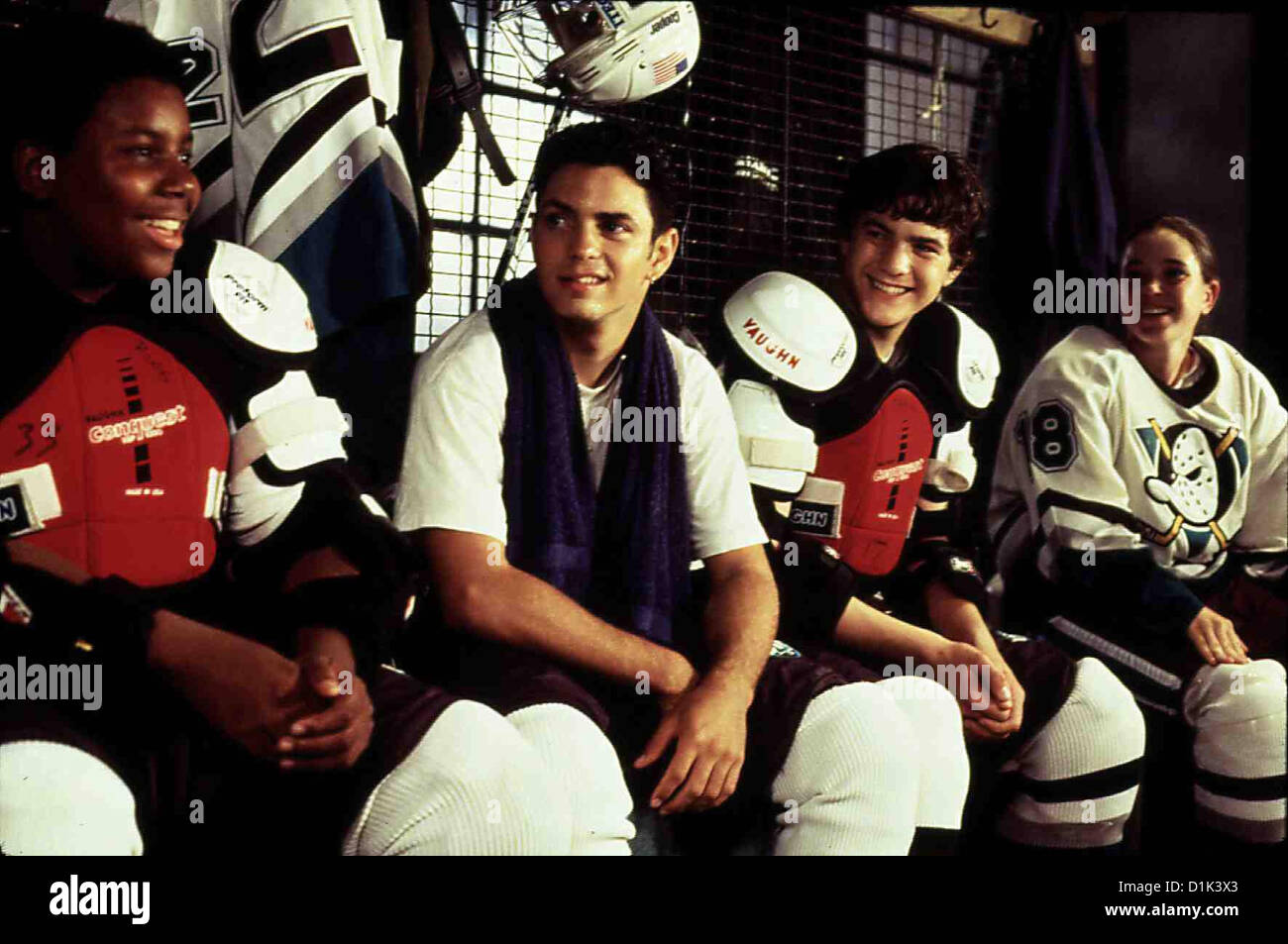 Mighty Ducks 3 - Jetzt Mischen Sie Die Highschool Auf  D3: Mighty Ducks  Russ (Keanan Thompson), Luis (Mike Vitar), - Stock Image