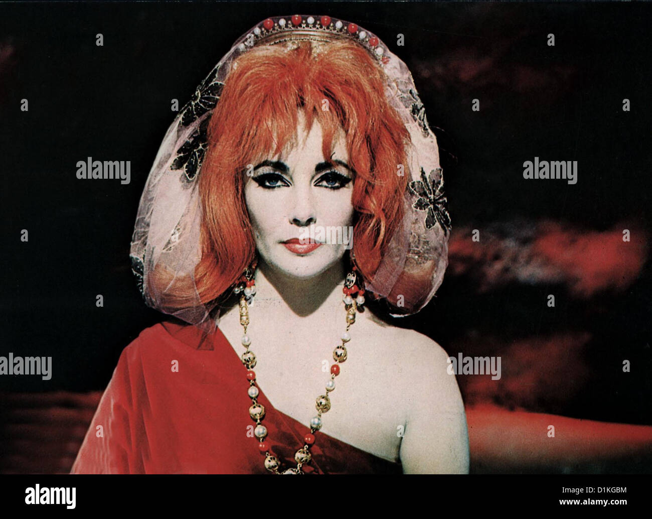 Doktor Faustus   Doctor Faustus   Elizabeth Taylor *** Local Caption *** 1967  -- - Stock Image