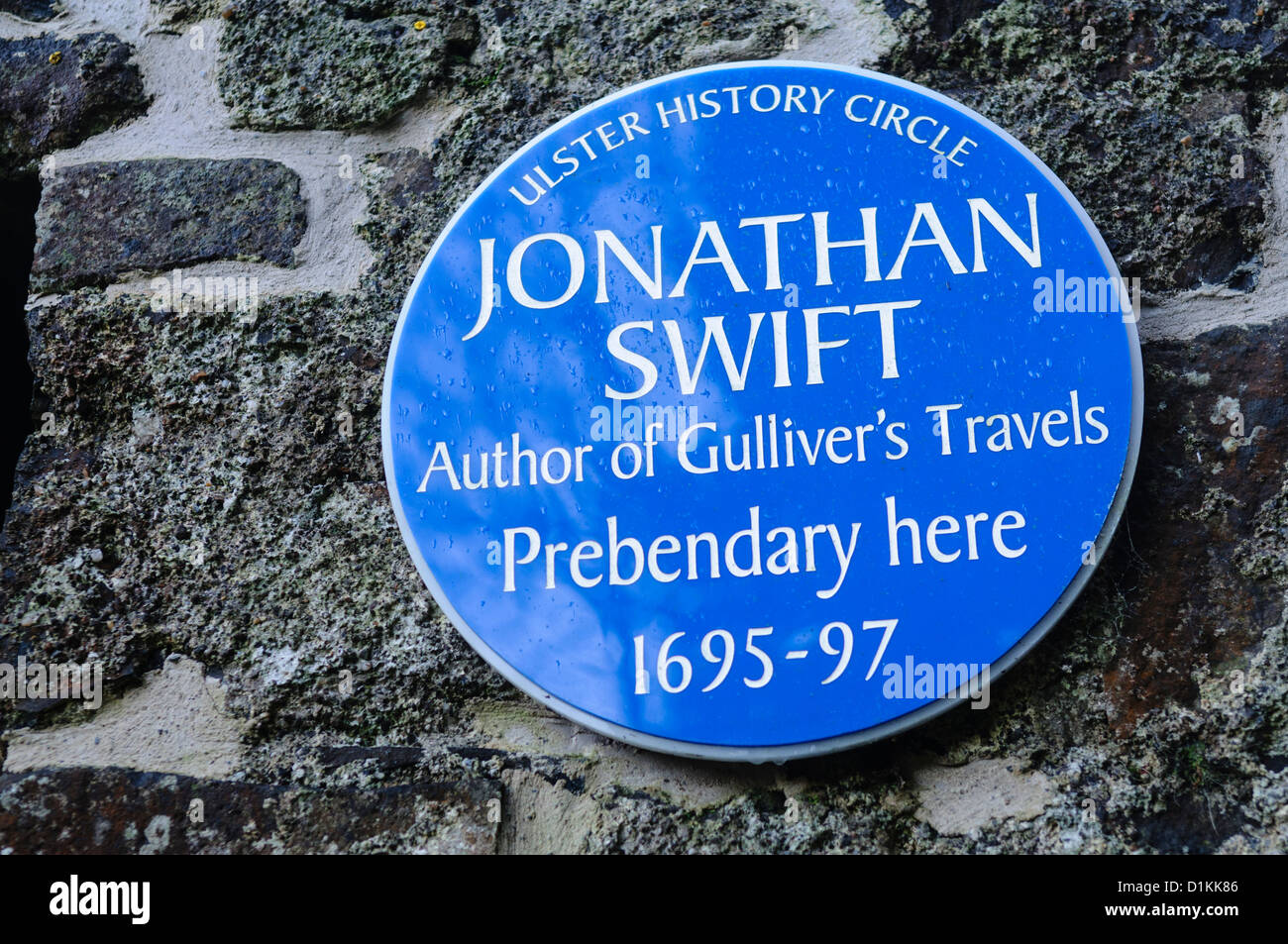Blue plaque in Ballynure for Jonathan Swift, author of Gulliver's Travels - Stock Image