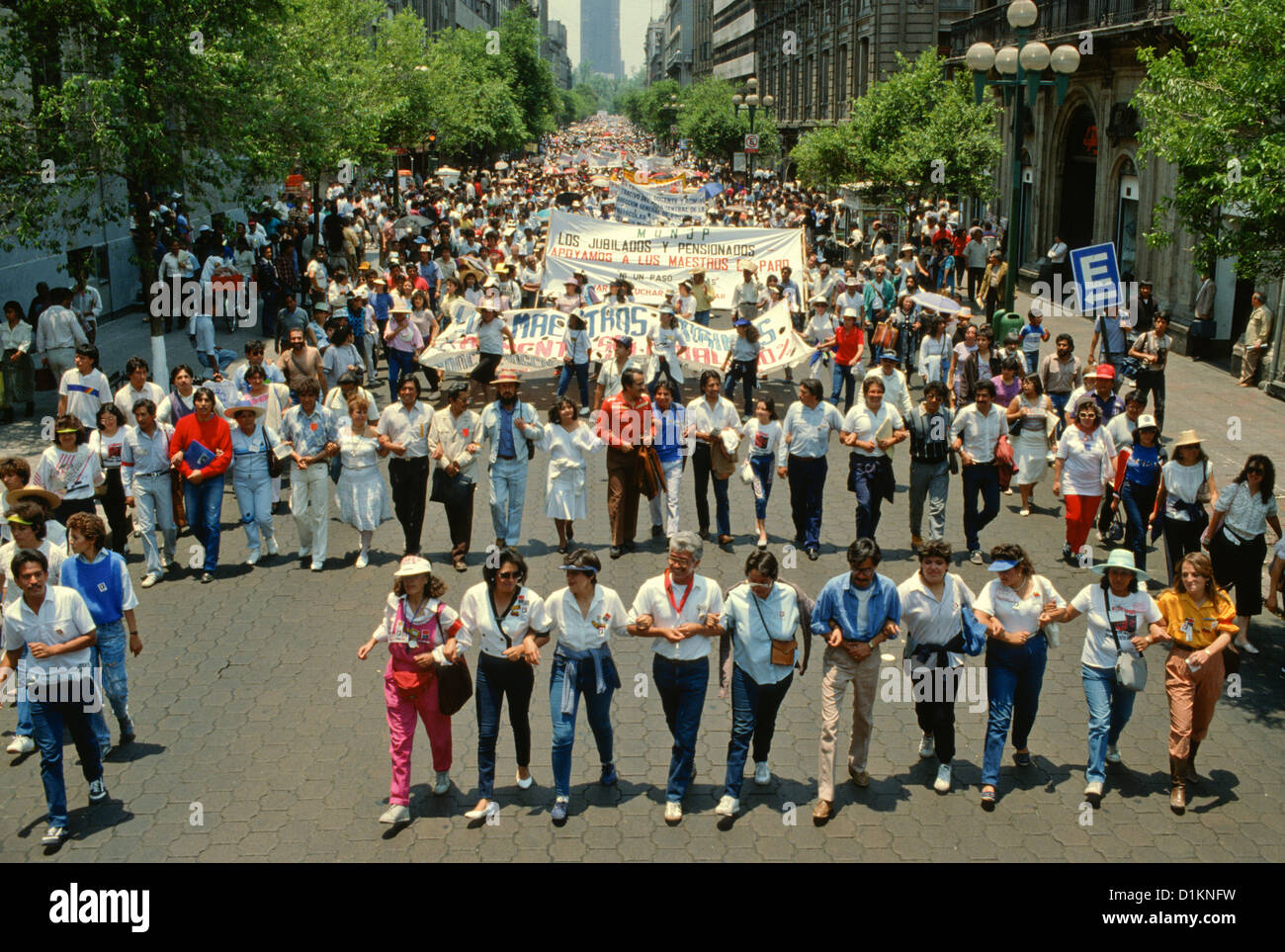 Teacher unions rally against cuts in education in the streets of Mexico City - Stock Image