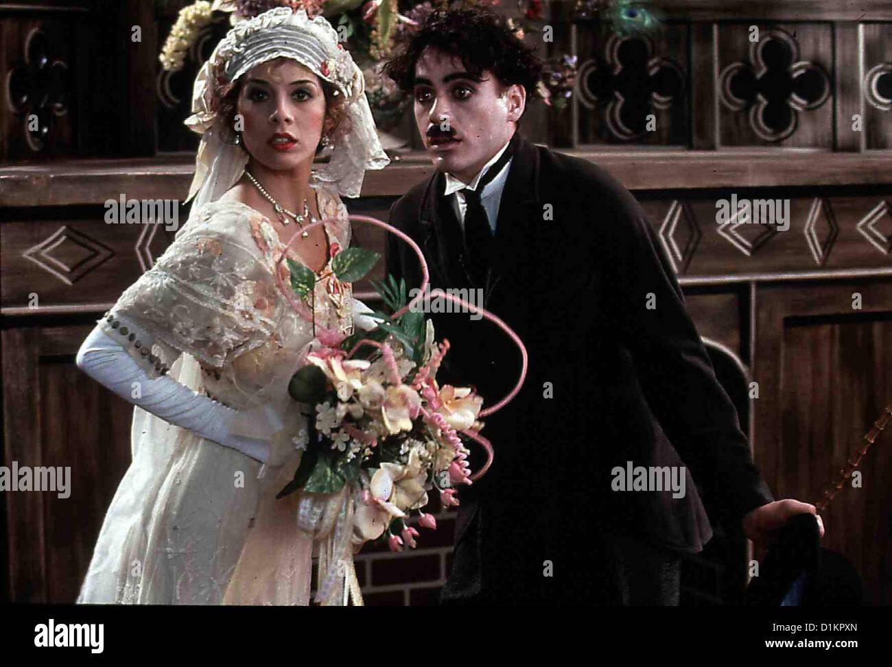 Chaplin  Chaplin  Marisa Tomei, Robert Downey Neben Mabel Normand (Marisa Tomei) gibt Charlie (Robert Downey) sein - Stock Image