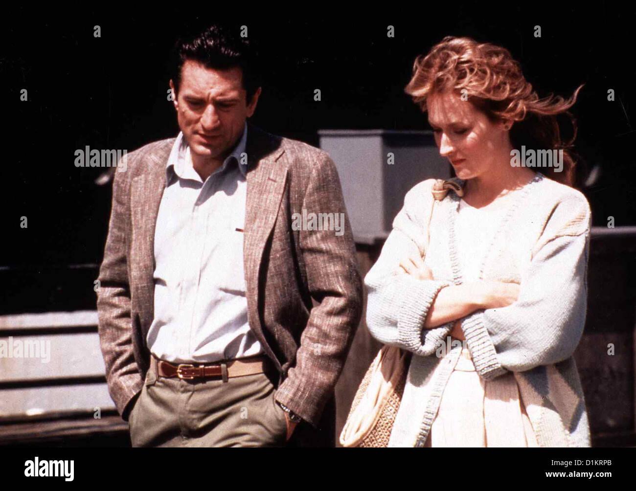 Der Liebe Verfallen  Falling In Love  Robert De Niro, Meryl Streep Obwohl beide verheiratet sind, entwickelt sich - Stock Image